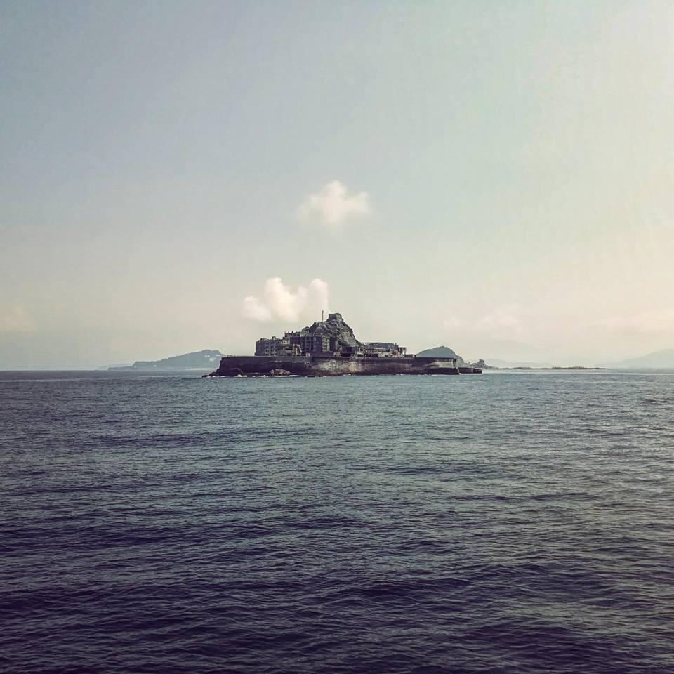Hashima, depuis le ferry.